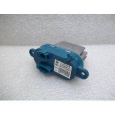 Резистор передний печки климат-контроль VAG 7L0907521B