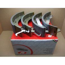 Колодки тормозные задние двускатные 270 х 65 AP 06740