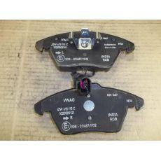 Колодки тормозные дисковые передние VAG JZW698151B
