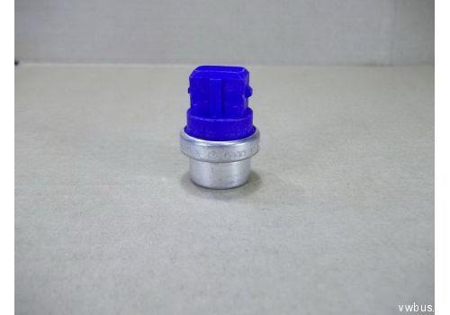 Датчик температуры (синий квадратный) VAG 025906041A