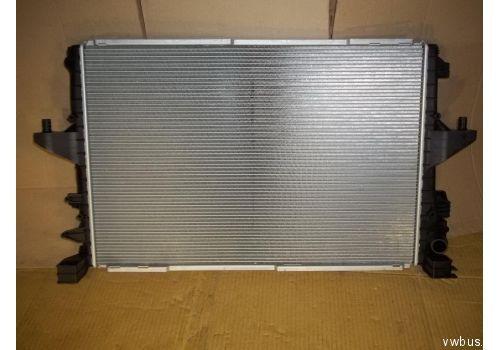 Радиатор VAG 7E0121253A