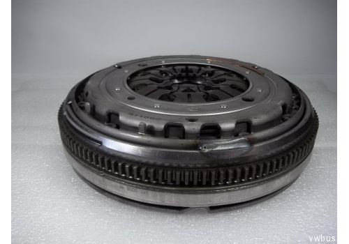 Комплект сцепления с МАХОВИКОМ+ выжимной подшипник 2,5 ACV AUF LUK 600000200