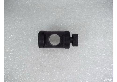 Механизм переключения передач: болт крышки подшипника VAG 701711125A