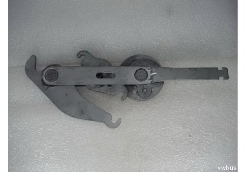 Компенсационный рычаг ручного тормоза VAG 2D1711481
