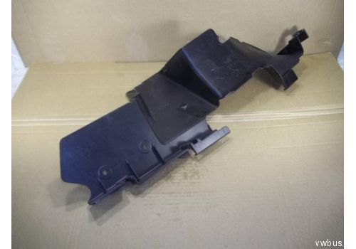 Воздуховод радиатора прав. VAG 7L6121334E