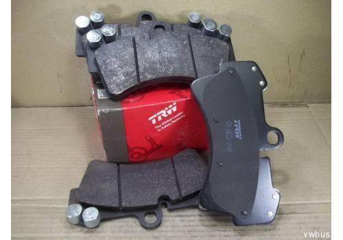 Колодки тормозные передние R18 TRW GDB1548